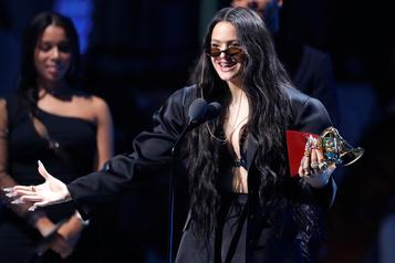 Soutien aux manifestants d'Amérique latine aux Latin Grammys Awards