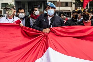 Élection au Pérou D'ex-militaires manifestent contre des «fraudes» )