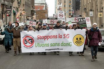 Des manifestants à Montréal demandent un moratoire sur le 5G