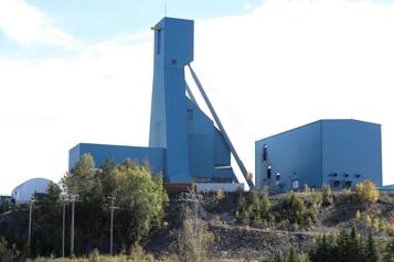 Mineurs piégés en Ontario 33 des 39 mineurs ont été rescapés)