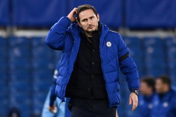 Chelsea congédie son entraîneur Frank Lampard)