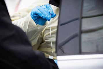 Tests: un géant français fait don de sa recette secrète au Canada de produit réactif