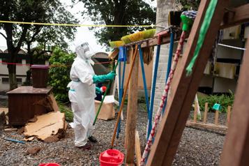 Couvre-feu dans tout le pays Augmentation «exponentielle» des cas de COVID-19 en Sierra Leone)