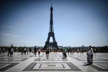 COVID-19: pertes d'au moins 30 à 40 milliards d'euros pour le tourisme français)