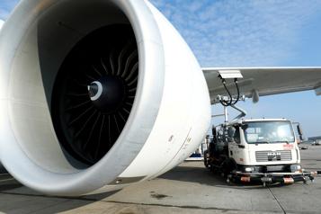 Russie Un problème de moteur force l'atterrissage d'urgence d'un Boeing777)