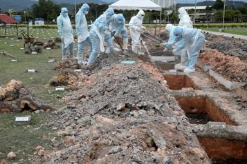 Le bilan de la pandémie dans le monde: plus de 2159000 morts)