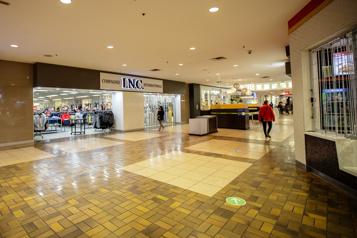 Prolongement de la ligne bleue Le MTQ forcé de payer 115millions pour un centre commercial)