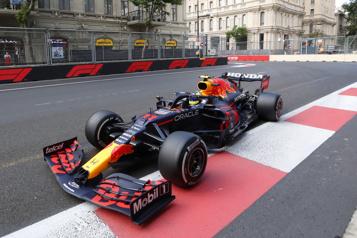 GrandPrix d'Azerbaïdjan Pérez profite de la déroute des favoris )