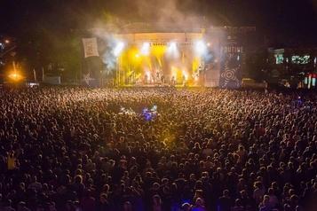 Les festivals régionaux auront des services administratifs regroupés)