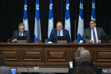 Vaccination Québec annonce une troisième dose pour les aînés hébergés)