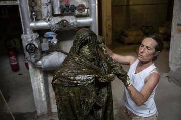 Une artiste sculpte le savon de Marseille en invitant à plus d'hygiène… intellectuelle)