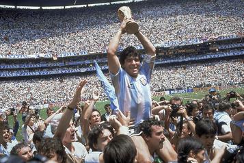 Diego Maradona 1960-2020 Le soccer québécois en deuil)