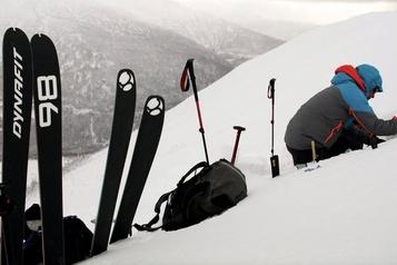 Des skieurs surpris par une avalanche en Gaspésie: un mort et un rescapé