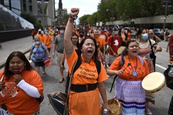 Pensionnats autochtones Des centaines de manifestants réclament une enquête indépendante)