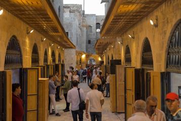 Dans le vieux Alep, des commerces ancestraux menacés par l'émigration)