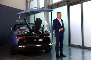 Rolls-Royce lance une voiture pour une poignée d'ultra-riches)