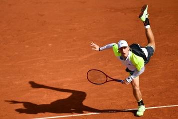 Roland-Garros Shapovalov éliminé au terme d'un match de cinq heures )