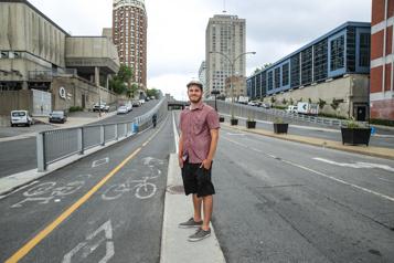 Sécurité des cyclistes L'intersection Berri et Ontario, toujours aussi risquée)