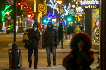 Près de 50% des Canadiens ont visité des proches durant les Fêtes)