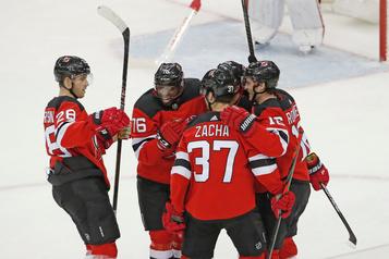 Les Devils signent une première victoire