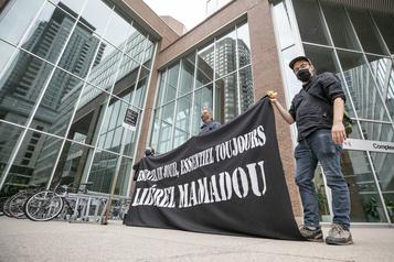 Québec solidaire réclame la libération d'un «ange gardien» menacé d'expulsion )