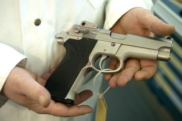 Contrôle des armes à feu Des proches de victimes pourfendent le projet de loiC-21)