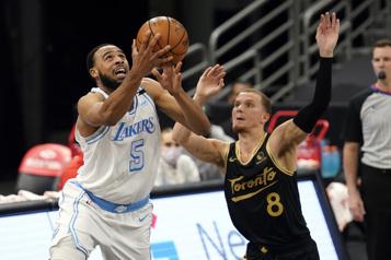 Les Lakers s'imposent sur les Raptors110-101)