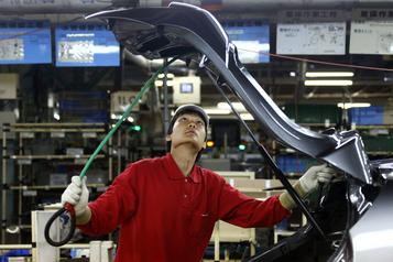 Nissan va annoncer encore des milliers de suppressions d'emplois )