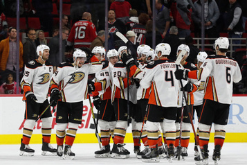 Les Ducks l'emportent 2-1 en prolongation