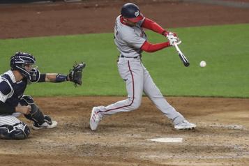 Les Nationals vainquent les Yankees 11-4)