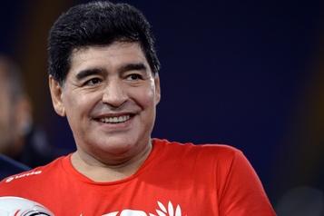 Diego Maradona, légende du soccer, est mort)