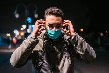 Peut-on domestiquer le virus par une application de traçage prédictive? )