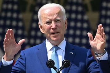 Armes à feu Joe Biden dévoile un plan limité et dénonce une«épidémie»)