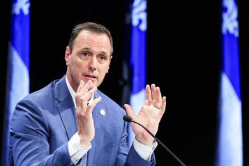 Examens annulés, pondération modifiée Québec veut «réduire la pression» sur le réseau scolaire)