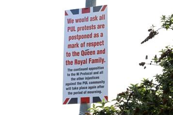 Irlande du Nord  L'annonce de la mort du prince Philip calme les violences)