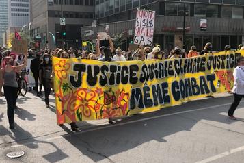 Journée mondiale de mobilisation climatique Manifestation pour le climat au centre-ville de Montréal)
