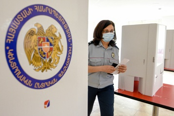Début du dépouillement des votes en Arménie)