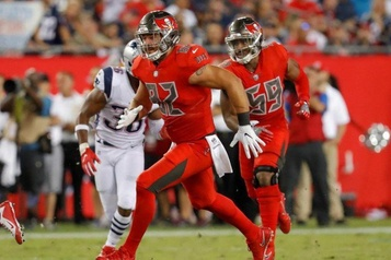 NFL Antony Auclair se joint officiellement aux Texans de Houston)
