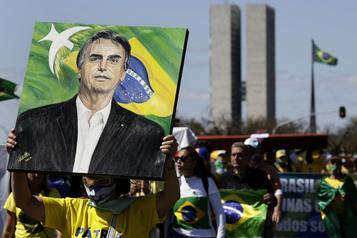 Manifestation de soutien à Bolsonaro, en quarantaine à Brasilia)
