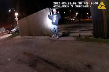 Chicago La vidéo d'un policier abattant un adolescent de 13 ans choque les Américains)