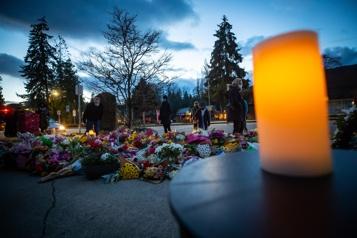 L'accusé de l'attaque au couteau à Vancouvera comparu)