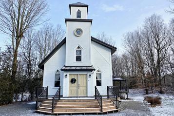 Le tour du propriétaire Habiter dans une ancienne église anglicane)