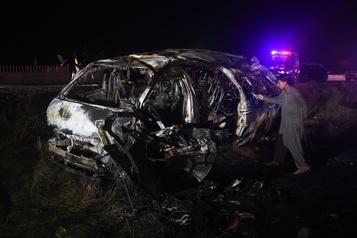 Au moins 15morts dans l'accident d'une fourgonnette au Pakistan)