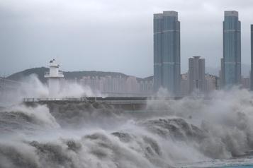 Le typhon Haishen en Corée du Sud après avoir sévi au Japon)