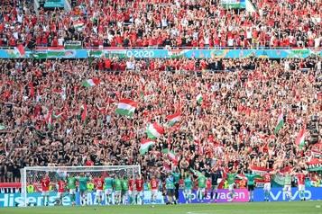 COVID-19 L'OMS «inquiète» de l'assouplissement pour des matchs de l'Euro)