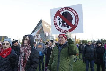 Redskins: des leaders autochtones veulent des mesures immédiates)