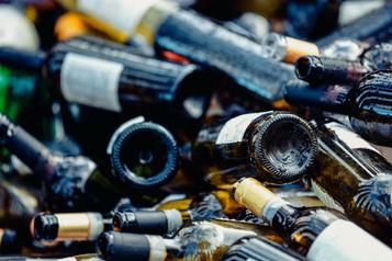 Bouteilles d'eau et de vin: une consigne partout après lescrutin de2022