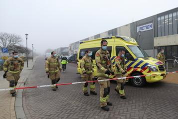 Pays-Bas Une bombe endommage un centre de dépistage de la COVID-19)
