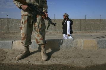 Plusieurs morts dans des affrontements à la frontière Afghanistan-Pakistan)
