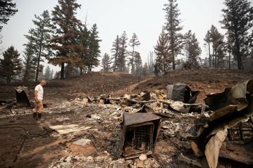 Incendies de forêt en Colombie-Britannique Les autorités redoutent vents et orages dans les prochains jours)